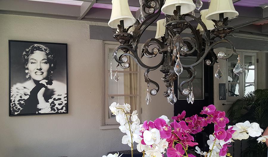 Amin Casa living room